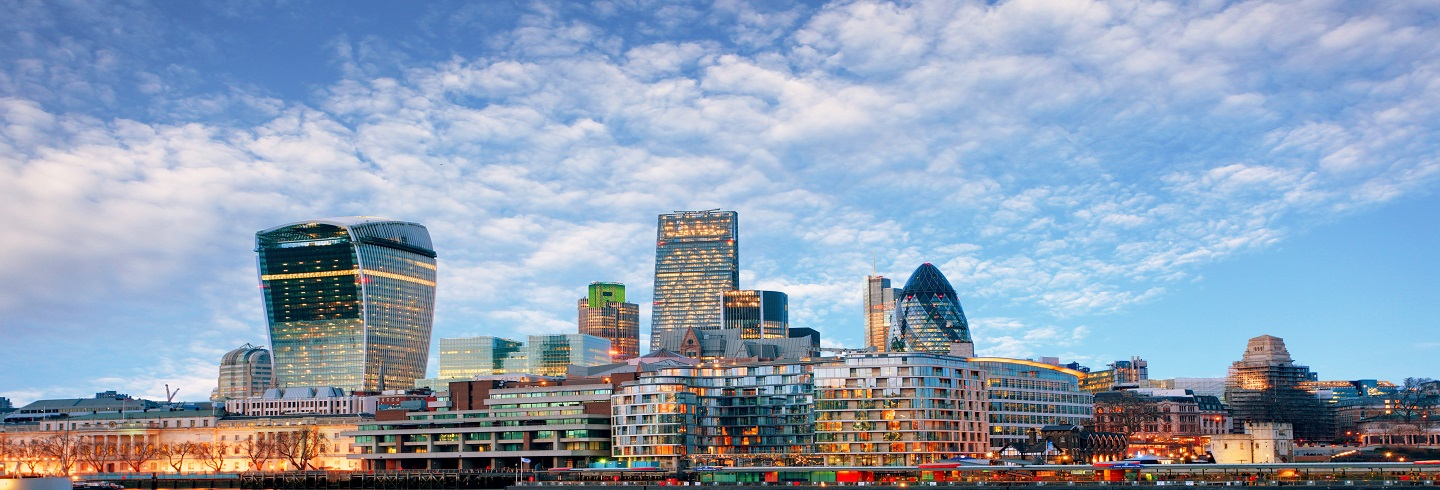 The glow of the City_HeroImage_shutterstock_1440x490