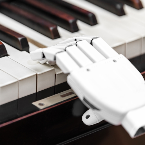 Robot-playing-piano-500