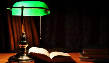 Green lamp 380 x 220
