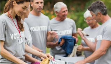 380x220_Volunteers