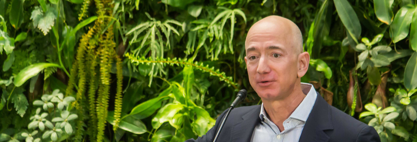 Jeff_Bezos_at_Amazon_Spheres_Grand_Opening_in_Seattle_-_2018