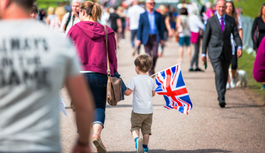 unsplash mother child street union jack flag 380 220