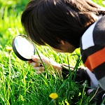 child-magnifying-150px